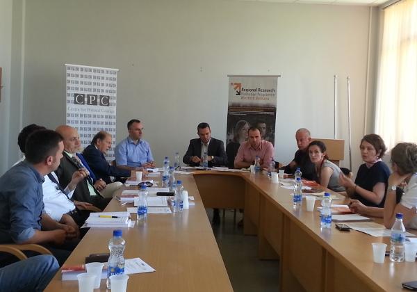 """Tryeza """"Ndikimi i politikëbërësve në punën kërkimore shkencore në Kosovë:"""""""